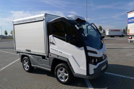 Elektrische Kleintransporter XT mit Zwei- oder Vierradantrieb