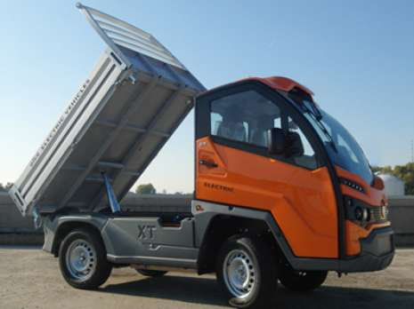Alke-XT-with-3-way-tipper