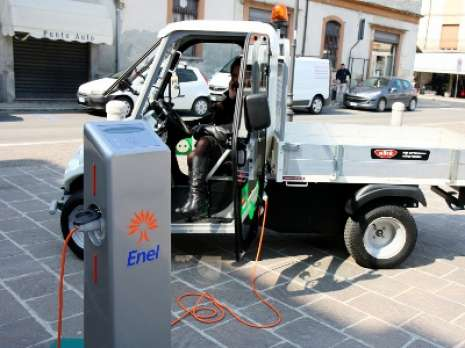 2 electric car on charging session