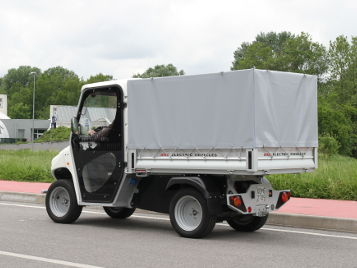Electric van with body tarp