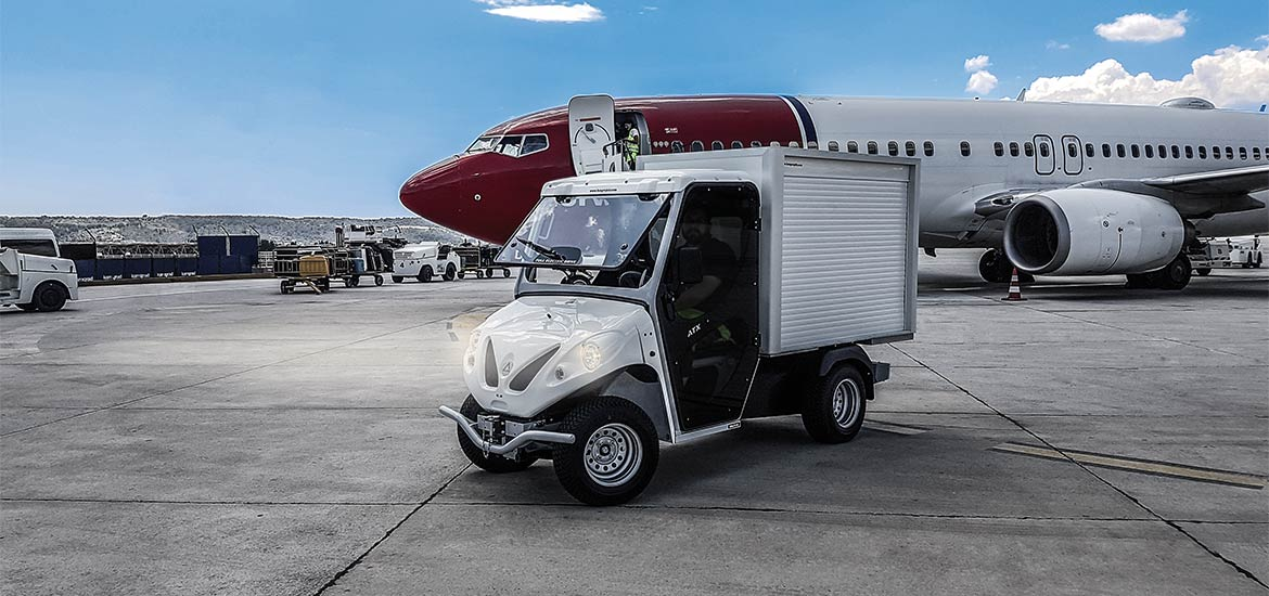 Alke' Airport luggage vehicles - Ready for work in airport areas