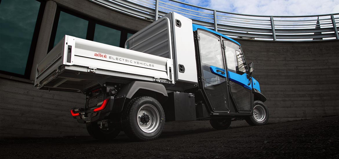 Vehicles with dropside body and storage box - Perfect for maintenance and cleaning services