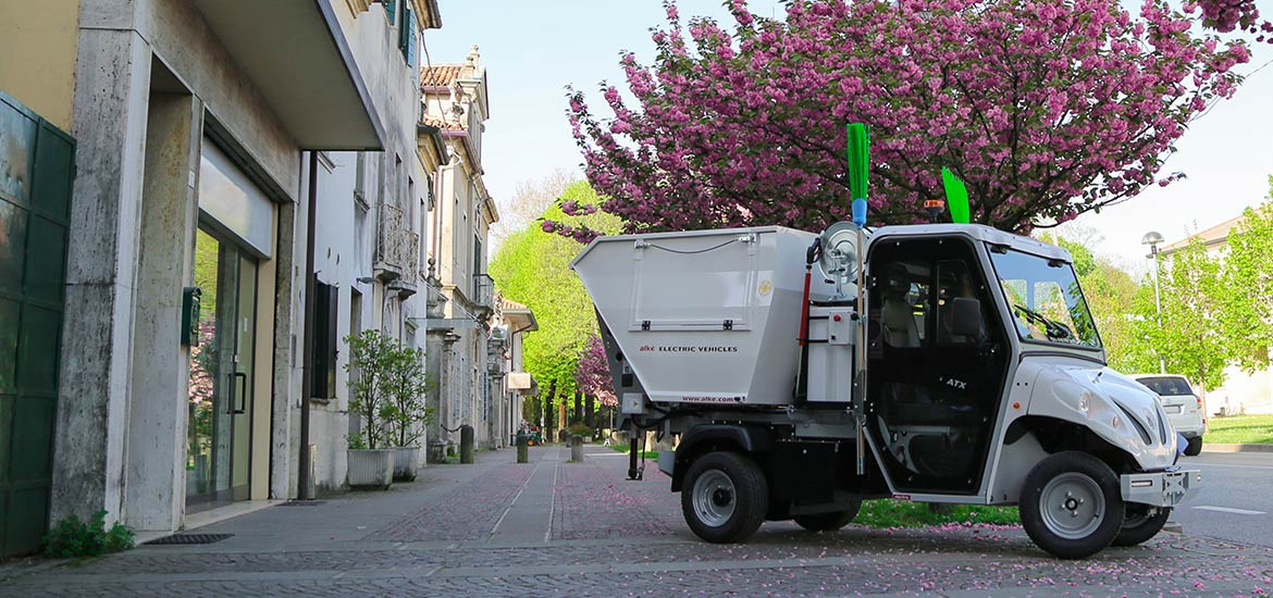 Alke' waste collector vehicles with pressure washer