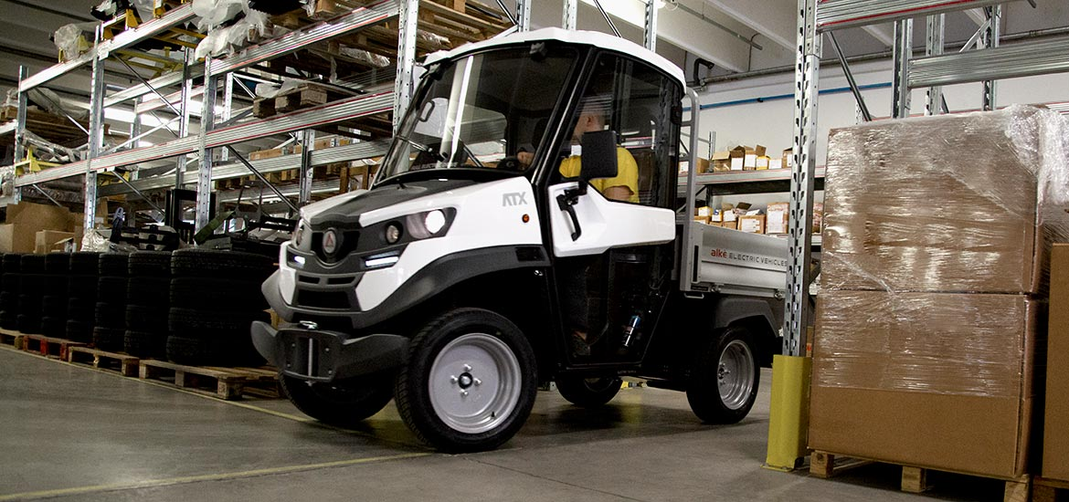 Small electric pick-up - warehouse