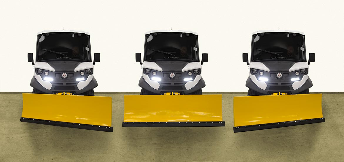 Utility vehicles with snow plow blade ATX Alke'