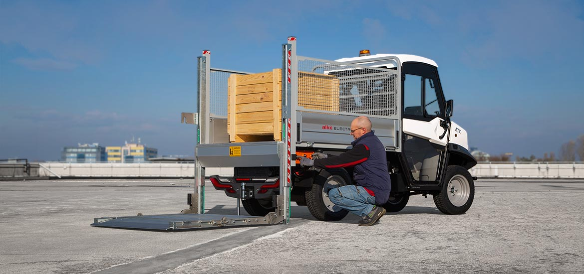 Tail lift plaform truck - Alke' Electric Vehicles