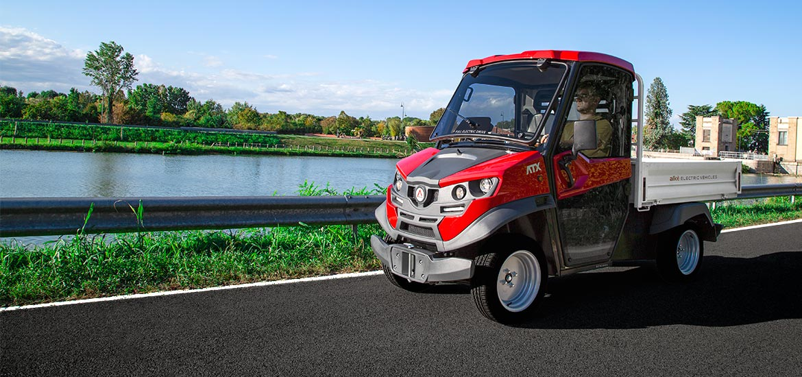 Electric utility vehicles with loading bed - Load capacity up to 1,630 kg