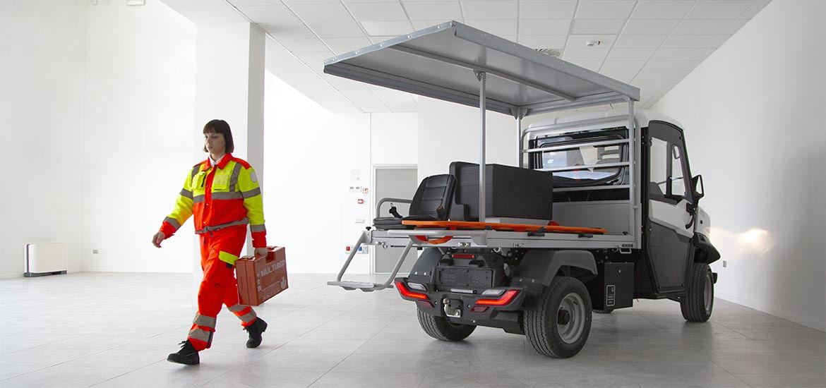 Electric ambulance - First aid vehicles equipped with stretcher