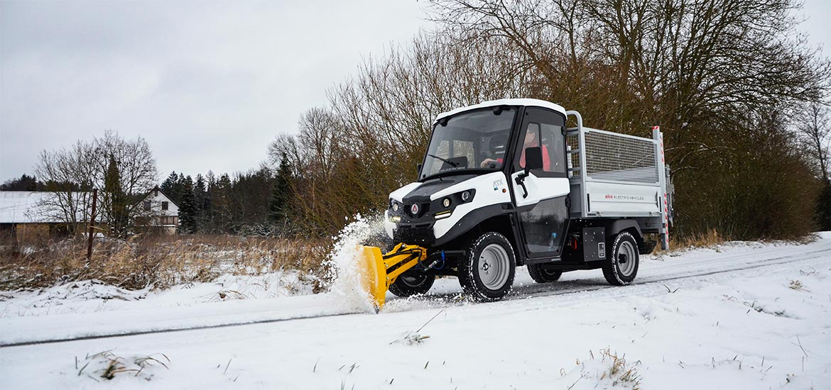 Snowplough - salt spreader - A sustainble and efficient solution for winter traffic issues - ALKE' Electric vehicles