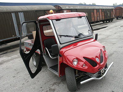Alke' Industry electric vehicles with half-cab and doors