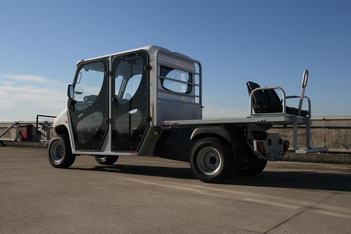 2 4 6 seat electric vehicles. Black Bedroom Furniture Sets. Home Design Ideas