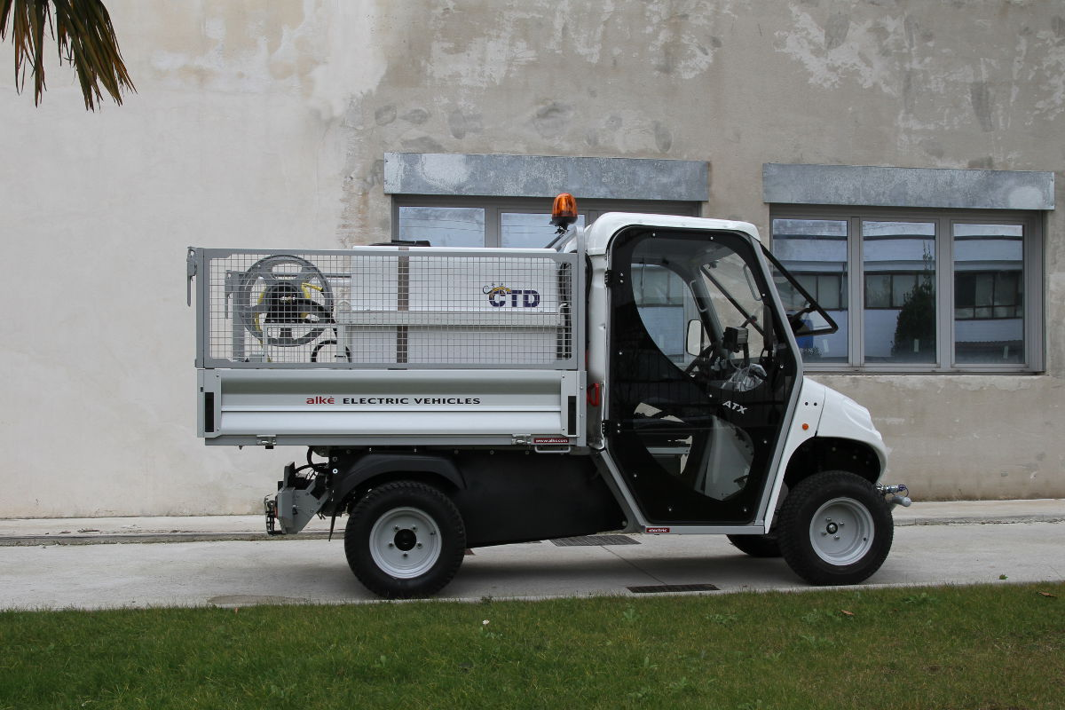 Electric Vehicle With Sprayer