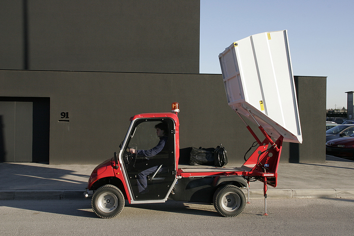 Electric Vehicle for Waste Collection