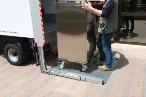 tail lift for handling trolleys