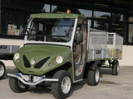 electric-vehicle-with-trailer-for-army