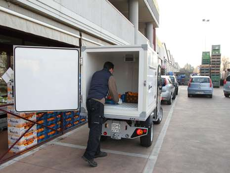 2-refrigerated-unit-fruit-vegetables-transport
