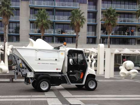road-legal-waste-collection-electric-vehicle